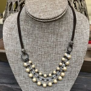 Pearl and beaded short necklace